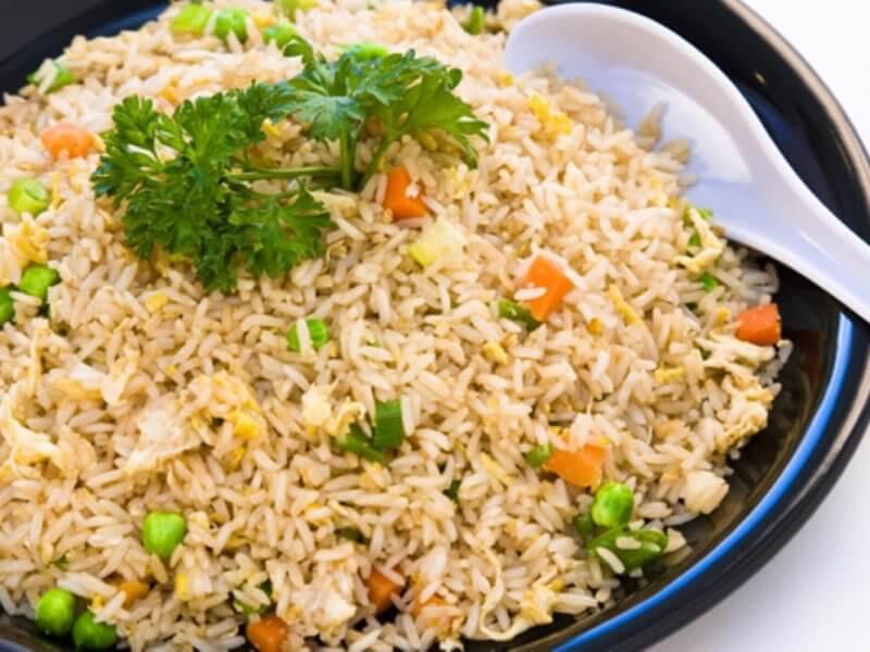 Chicken Fried Rice (Tavuklu Pirinç Kavurması)