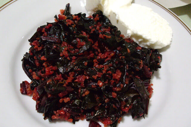 Bulgurlu Pancar Yaprağı Yemeği